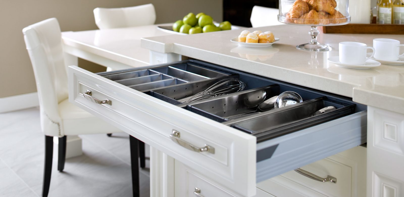 In the Kitchen | Paris Kitchens | Kitchen and Bath Cabinetry Toronto